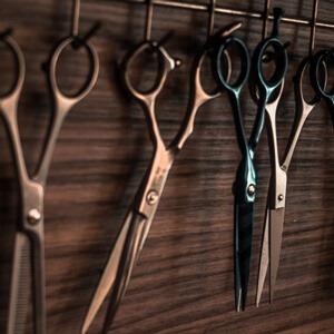 Tagliare-i-capelli-in-casa-a-un-uomo-step-1
